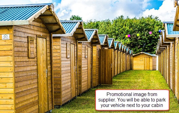 2-4 Person Glamping Wood Cabin - British F1 Grand Prix