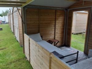 wood-cabin-f1-5