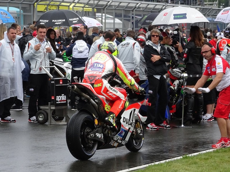 Andrea Iannone Sachsenring-2016 wet start to the MotoGP