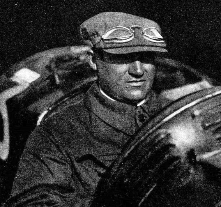 Antonio Ascari in a 1925 Alfa Romeo P2