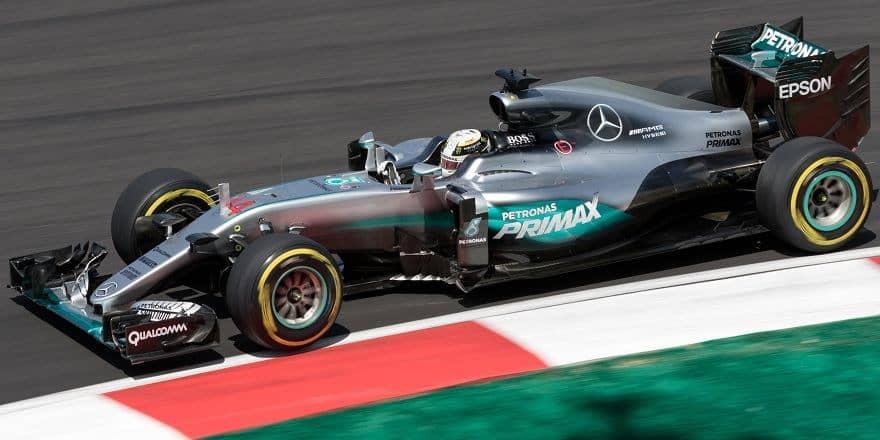 Lewis Hamilton 2016 Malaysia Mercedes W07
