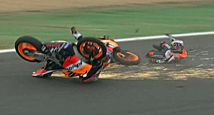 Pedrosa Hayden crash Portugal MotoGP 2006